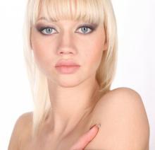 pure-skin--beauty--woman--finger_3327744